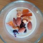 オーバーナイトオーツ?オートミールと豆乳入り冷凍フルーツのデザート