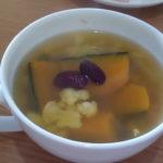 オレンジカリフラワーとかぼちゃのヘルシー無添加スープ