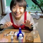 ドクダミの花でドクダミチンキ!虫除けスプレーと化粧水の手作り体験!